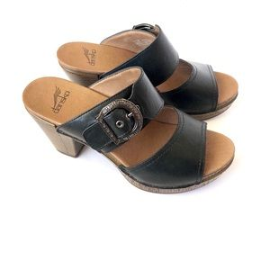 NWOB Dansko black leather clog sandals